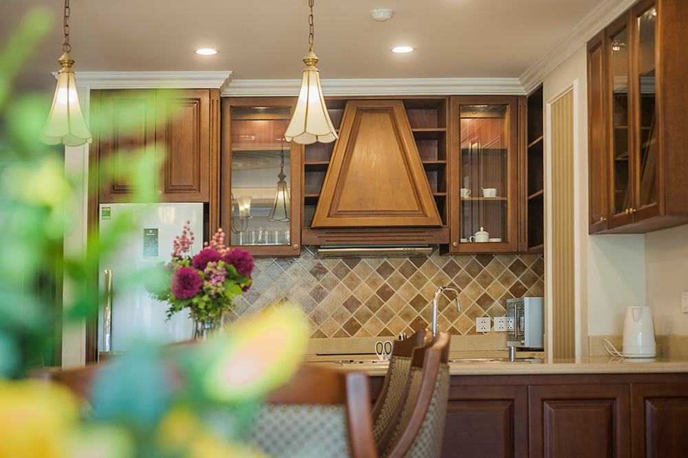 Kitchen - Average Apartment